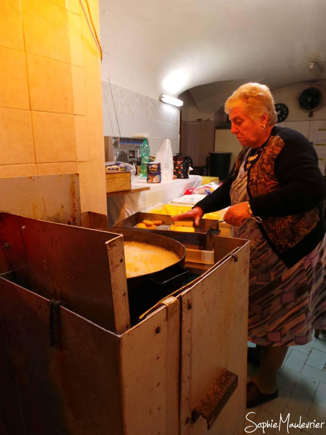 Maria preparing sgagliozze