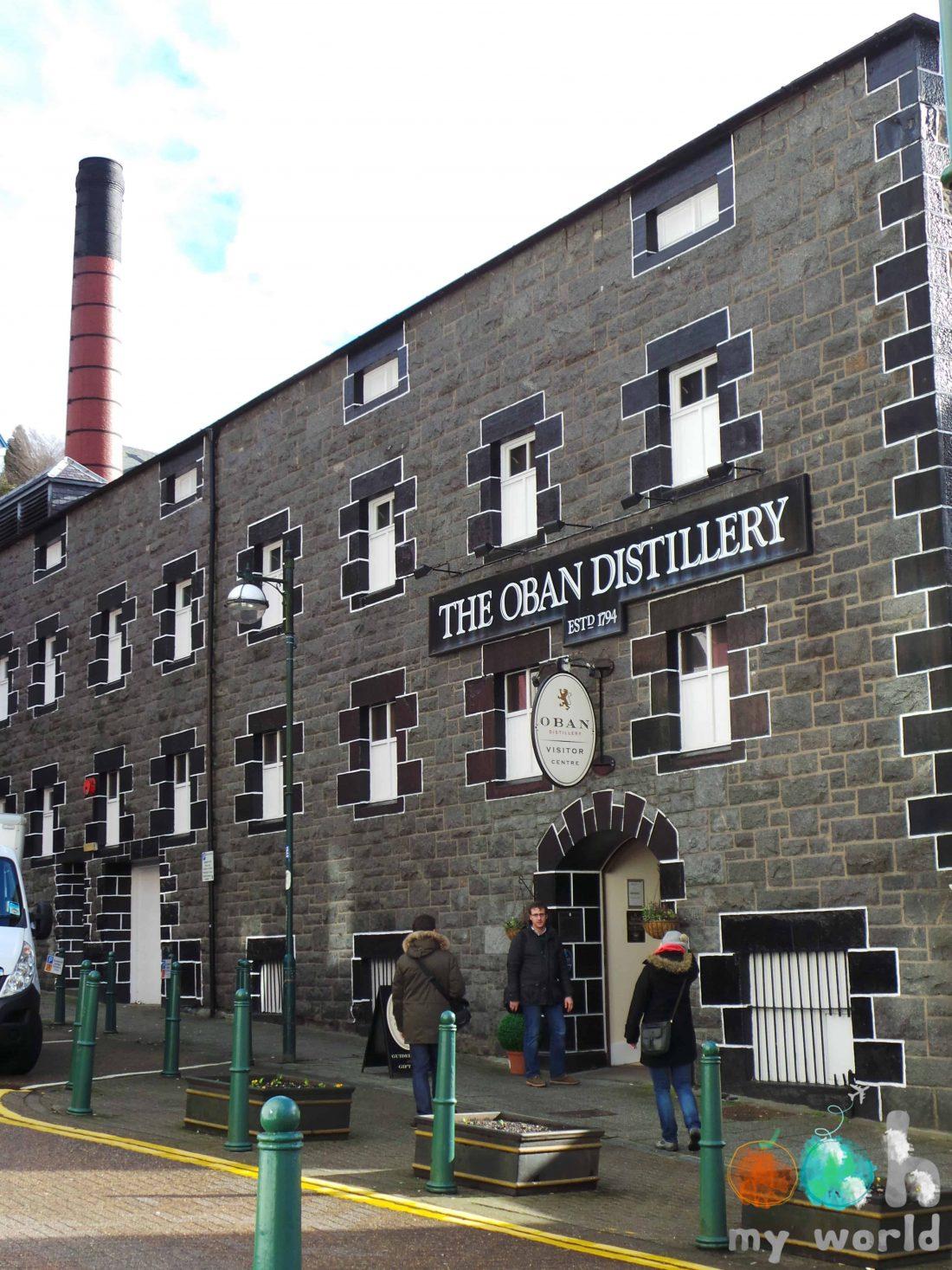Façade de la distillerie d'Oban en Ecosse