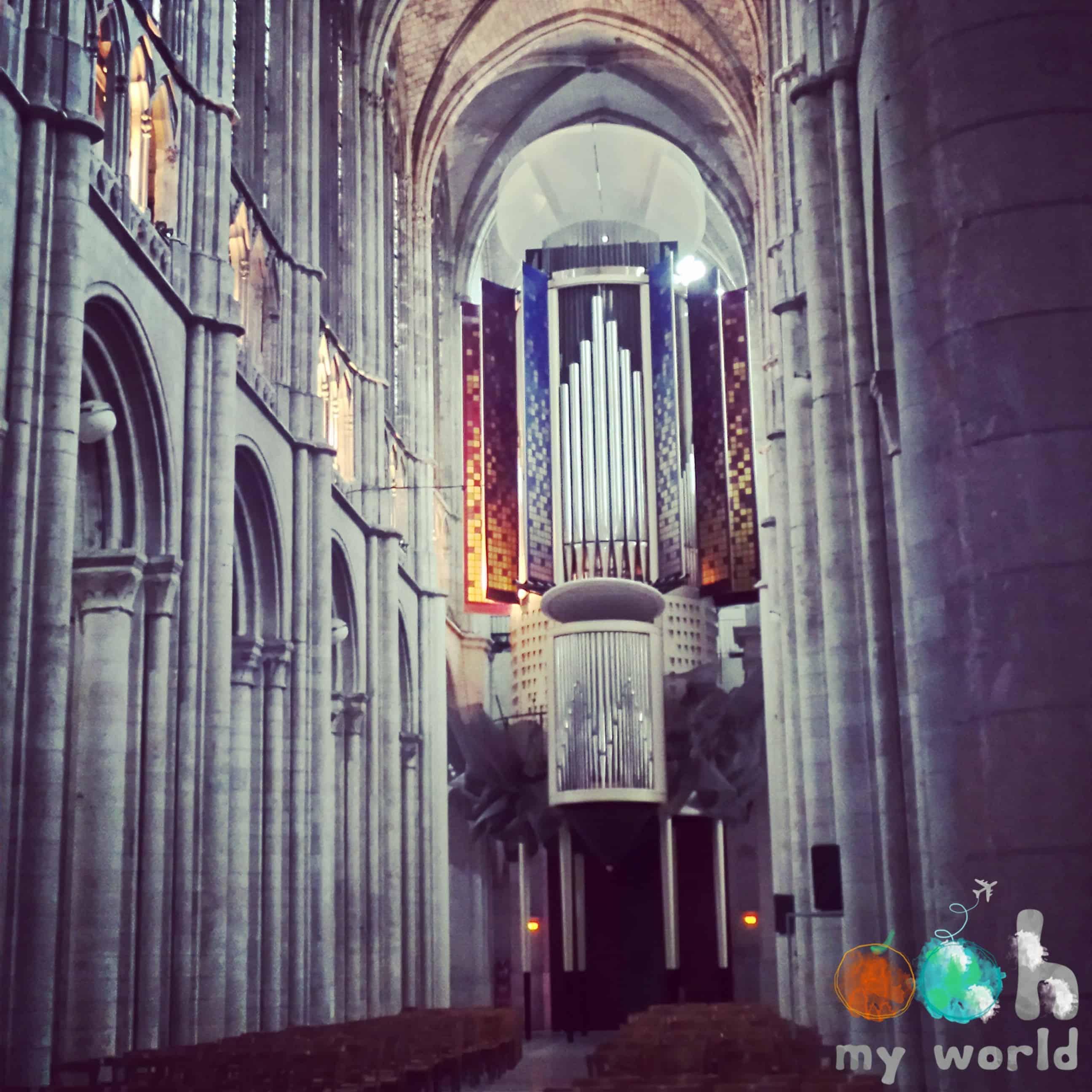 Orgue moderne de la cathédrale d'Evreux
