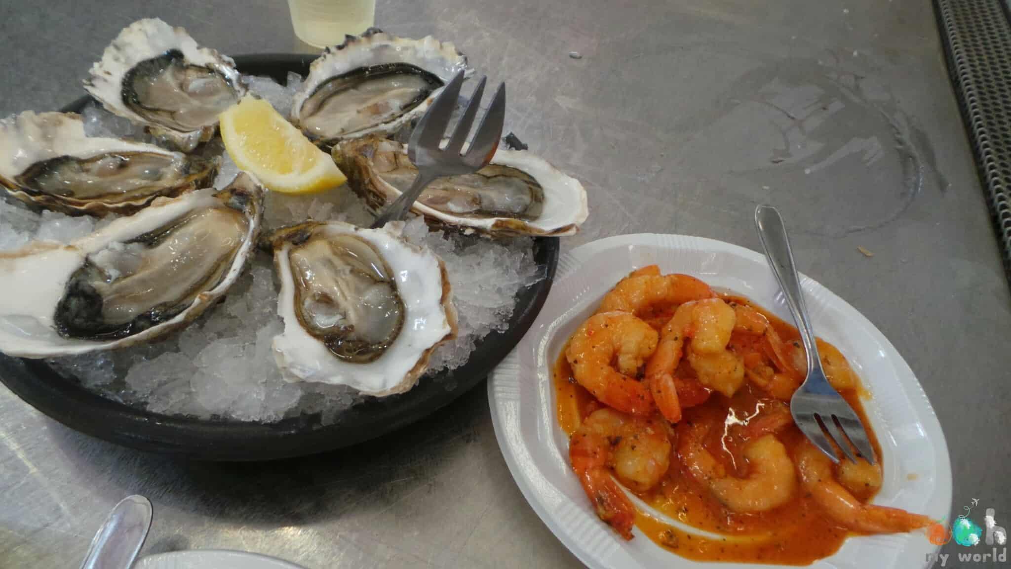 Huitres et crevettes du marché de Biarritz