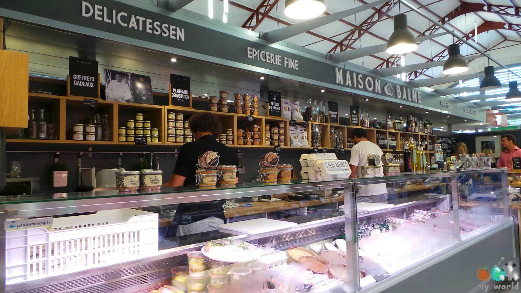 Stand de produits à la truffe dans les halles de Biarritz