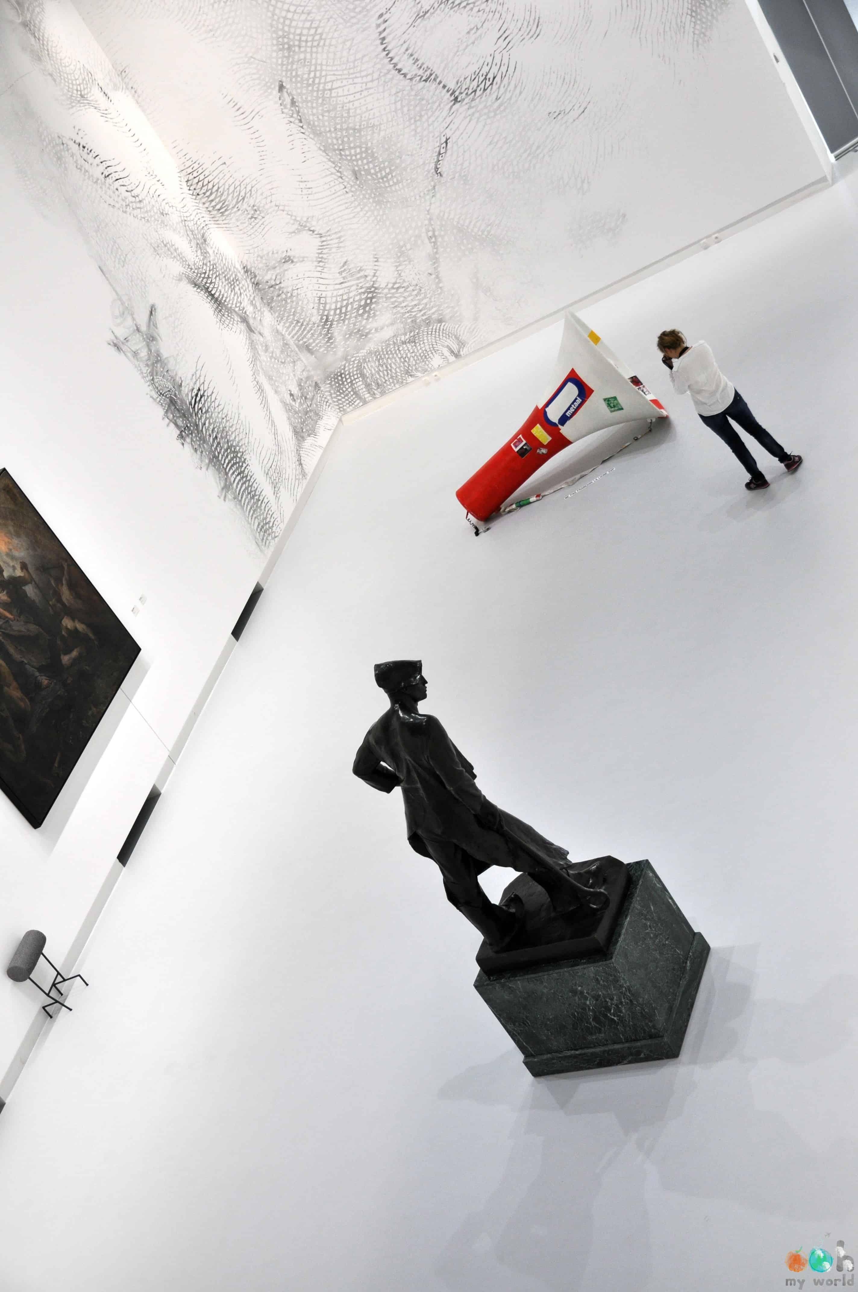 Intérieur_du_musée_BPS22
