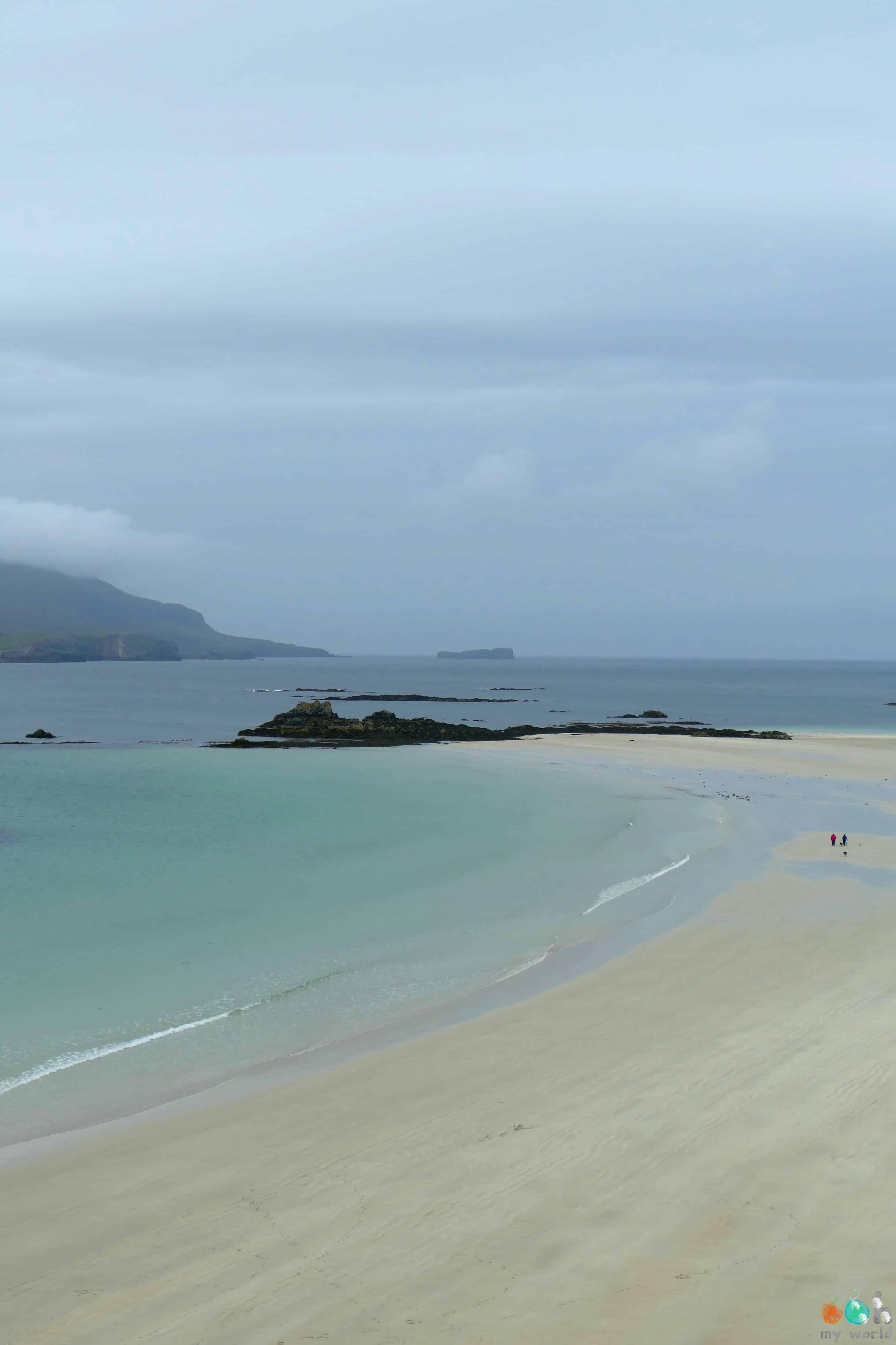 Double plages de la baie de Balnakeil à côté de Durness en Ecosse