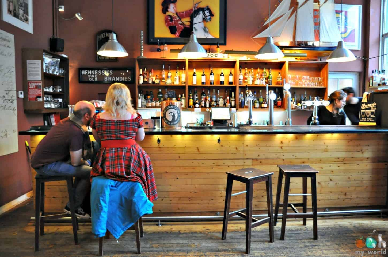 Le Royal Dick, bar de la distillerie Pickering's Gin à Edimbourg