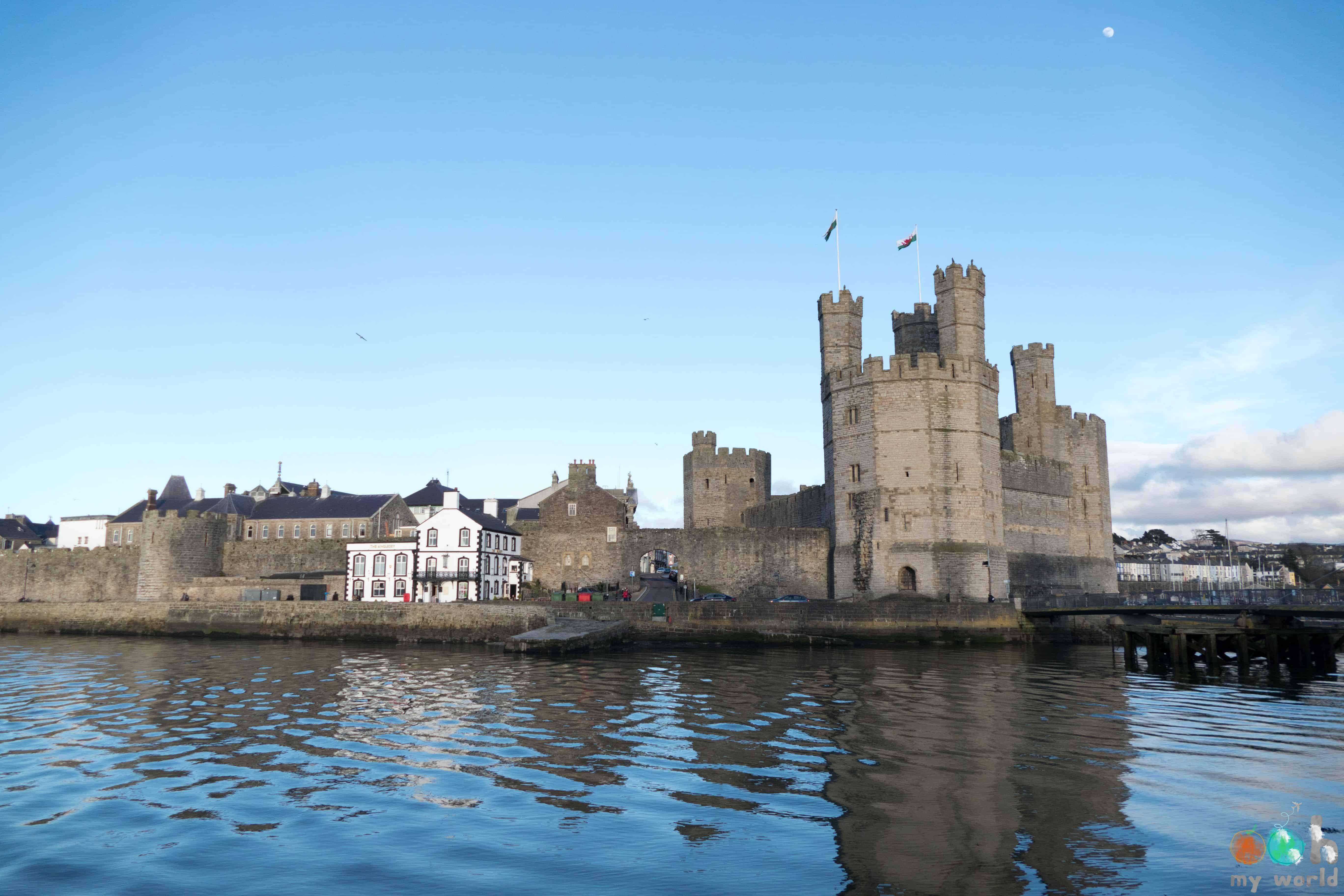 Le château de Caernarfon au Pays de Galles