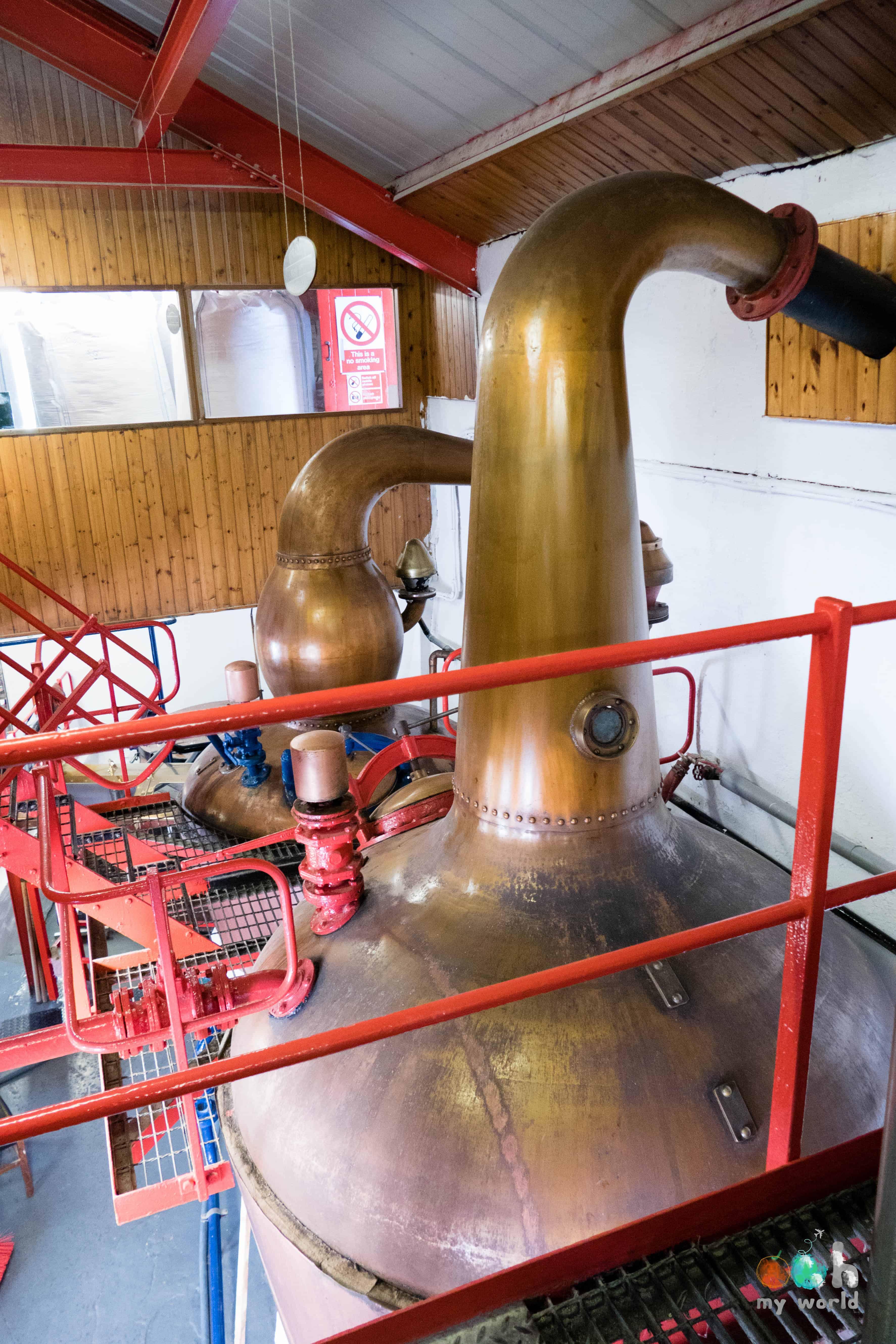 Les deux alambiques de la distillerie d'Edradour à Pitlochry