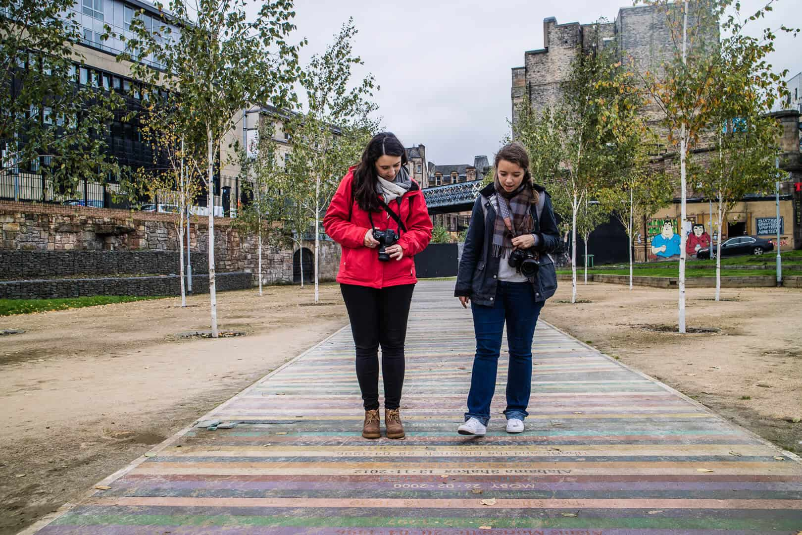 Patricia et Sophie dans le Barrowland Park de Glasgow